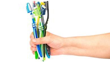 Как выбрать зубную щетку